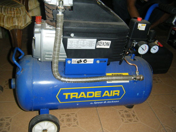 TRADEAIR AIR COMPRESSOR 24L